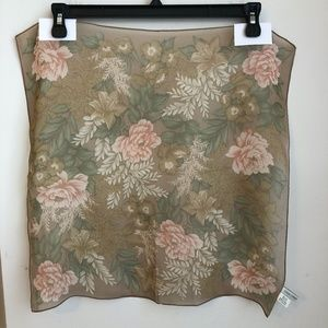 ❤️ 5/$35 Casual corner brown floral 100% silk-20""